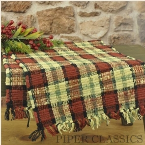 Christmas Country Decor: Bayberry Table Runner