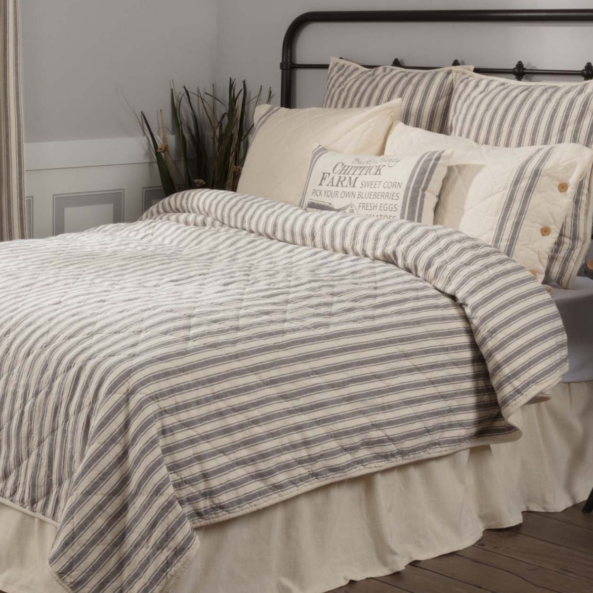Market Place Ticking Stripe Quilt Twin Piper Classics